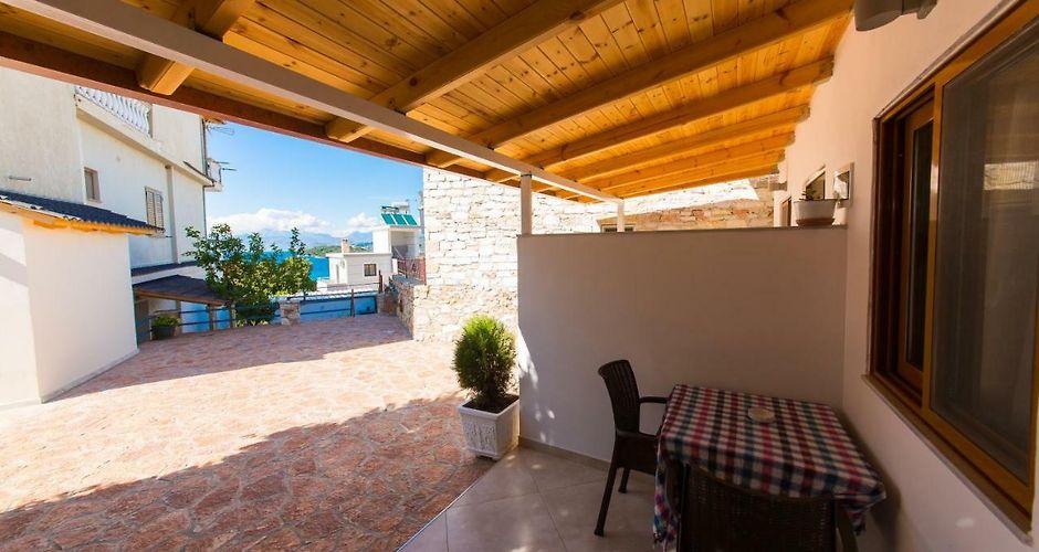 villa ronaldo ksamil rh villa ronaldo ksamil hotels al com
